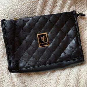 Younique purse